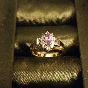 Gorgeous gold & light purple ring - Size 6.5/7